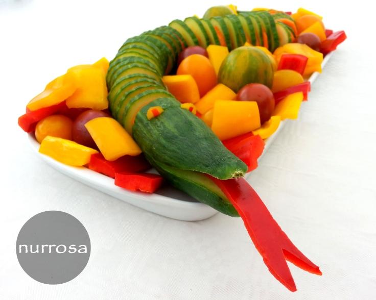 Gurkenschlange gesundes Kinder Partyfood