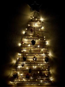 DIY Weihnachtsbaum aus Zweigen