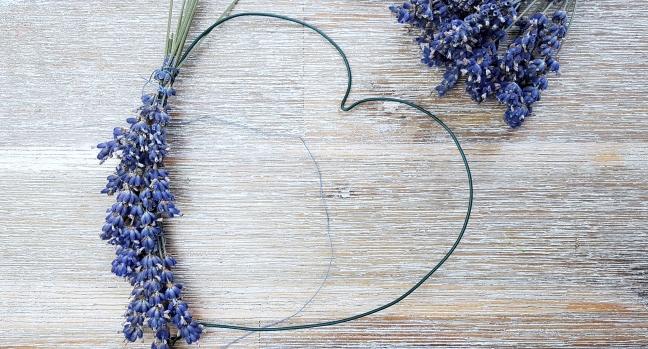 DIY Lavendelherz binden
